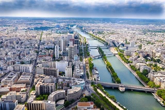 Vivere e lavorare a Parigi: i consigli utili