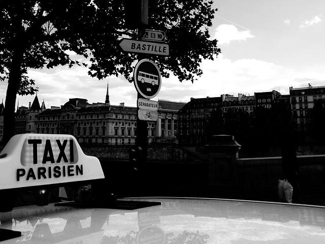 Muoversi a Parigi in taxi