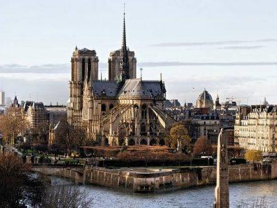 notre-dame-of-paris-568858_640-compressed.jpg